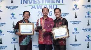 Walikota Palembang terima Investment Award sebagai sebagai Badan Penanaman Modal dan Pelayanan Terpadu Satu Pintu (BPM-PTSP) terbaik (Foto : sumsel.tribunnews)